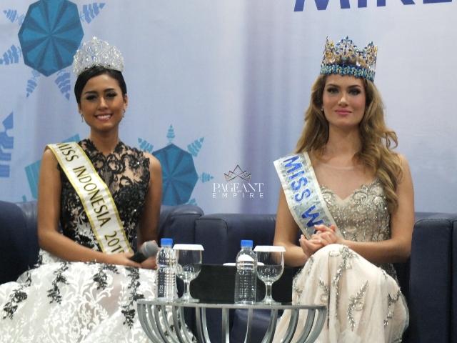 Mireia-Lalaguna-Miss-World-2015-dan-Maria-Harfanti-Miss-Indonesia-2015