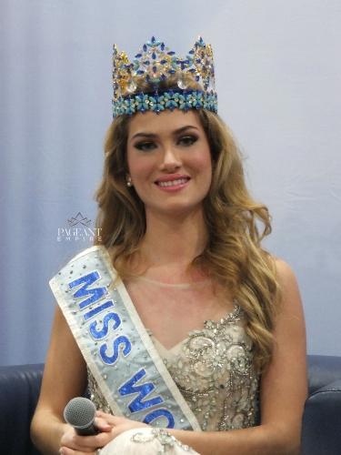 Mireia-Lalaguna-Miss-World-2015