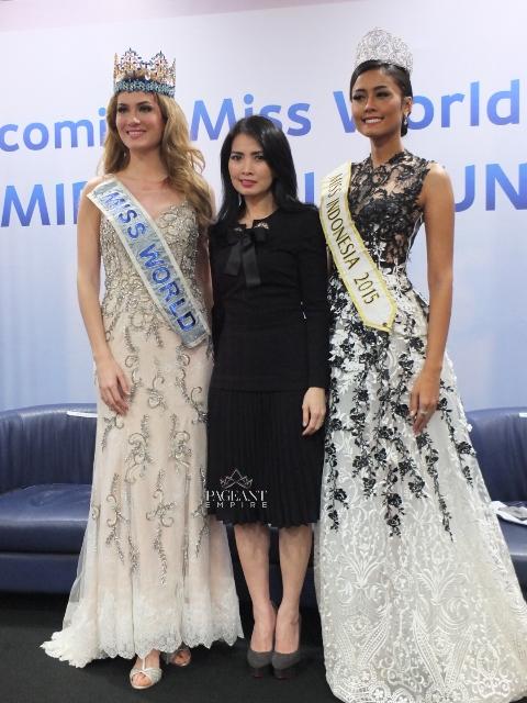 Mireia-Lalaguna-Miss-World-2015-dan-Maria-Harfanti-Miss-Indonesia-2015-Liliana-Tanoesoedibjo-chairwoman-of-miss-indonesia-organization
